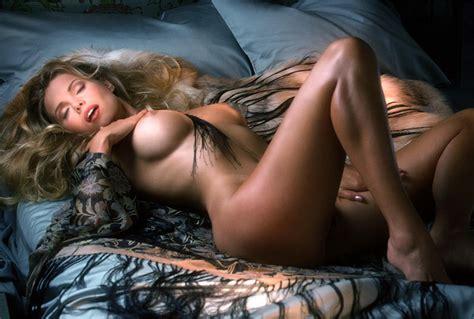 Blonde bombshell annamarie goddard shows off her nice jpg 1200x810