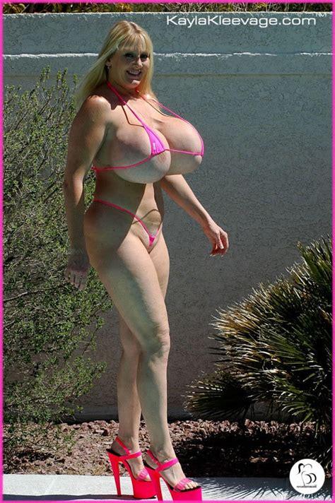 kayla kleevage in bikini jpg 600x902